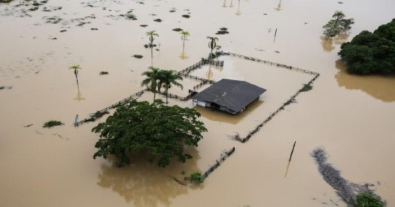 Chuva deixa cidade de SP em estado de atenção para alagamento