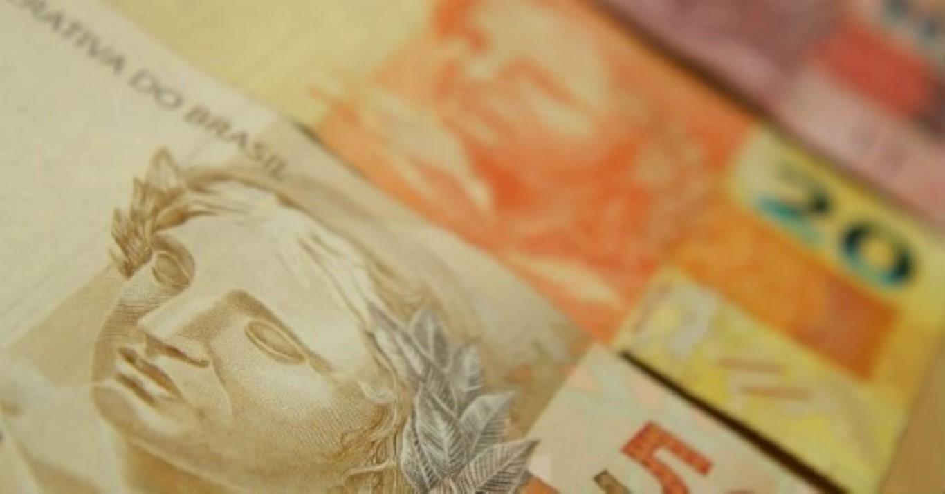 Dinheiro INSS Pis Pasep Banco