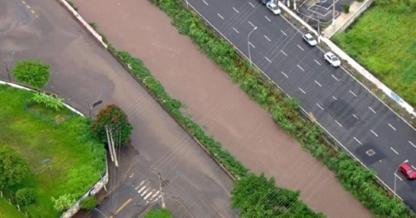 Chuva provoca ao menos 26 pontos de alagamento em São Paulo