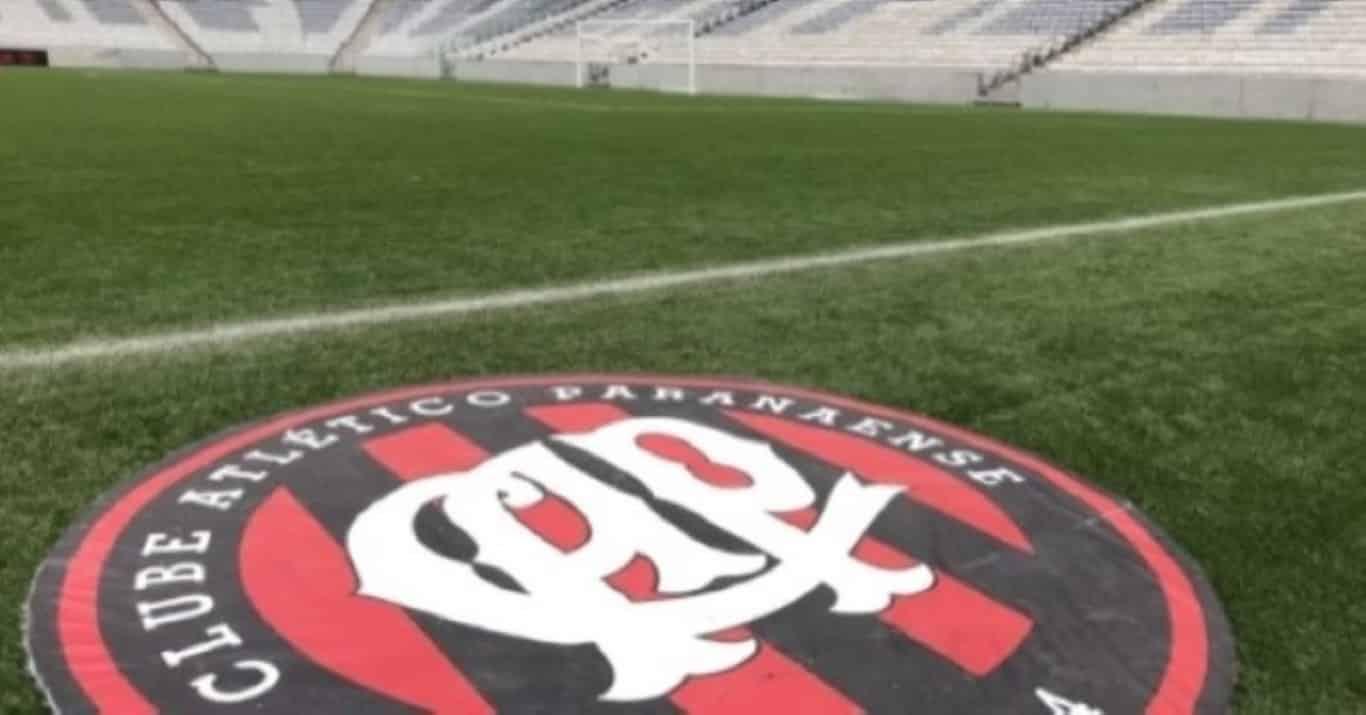 Athletico-PR tem presidente suspenso por 1 ano por descumprir decisão em clássico