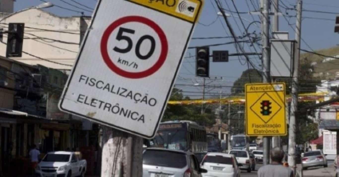 Vice-prefeito chuta radar, apreende peças quebradas e divulga vídeo em Sumaré