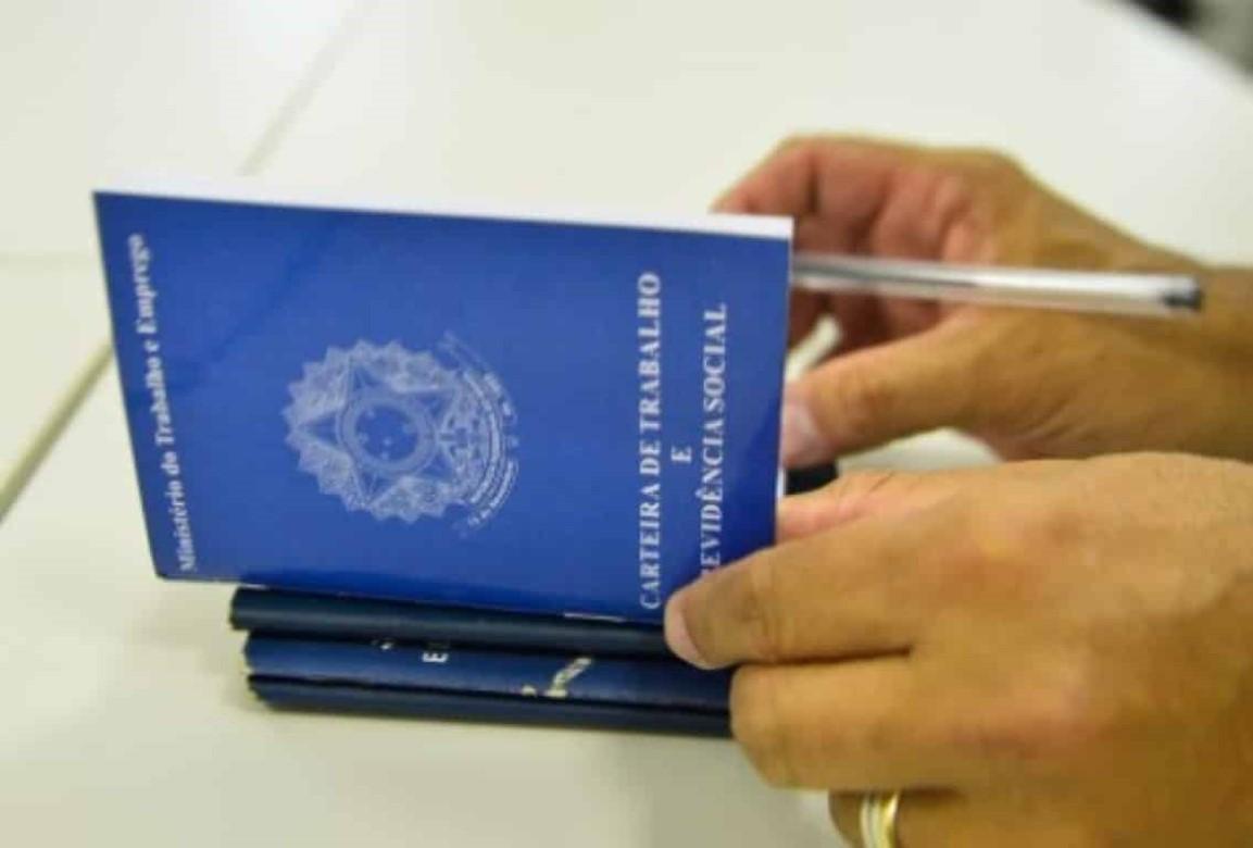 Tempo de serviço sem carteira assinada pode contar para a aposentadoria?.