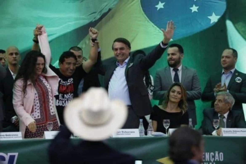 Quadros do PSL defendem Bebianno e criticam 'fritura pública'
