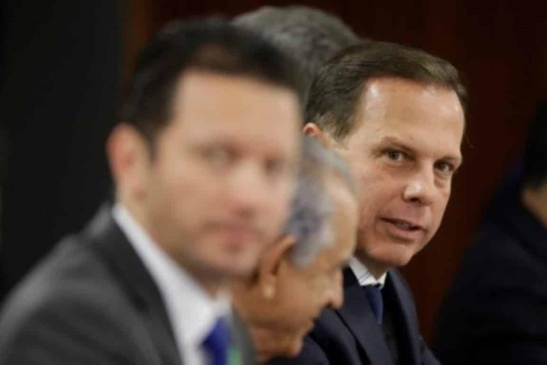 Pressionado, Aloysio discute permanência no governo com João Doria