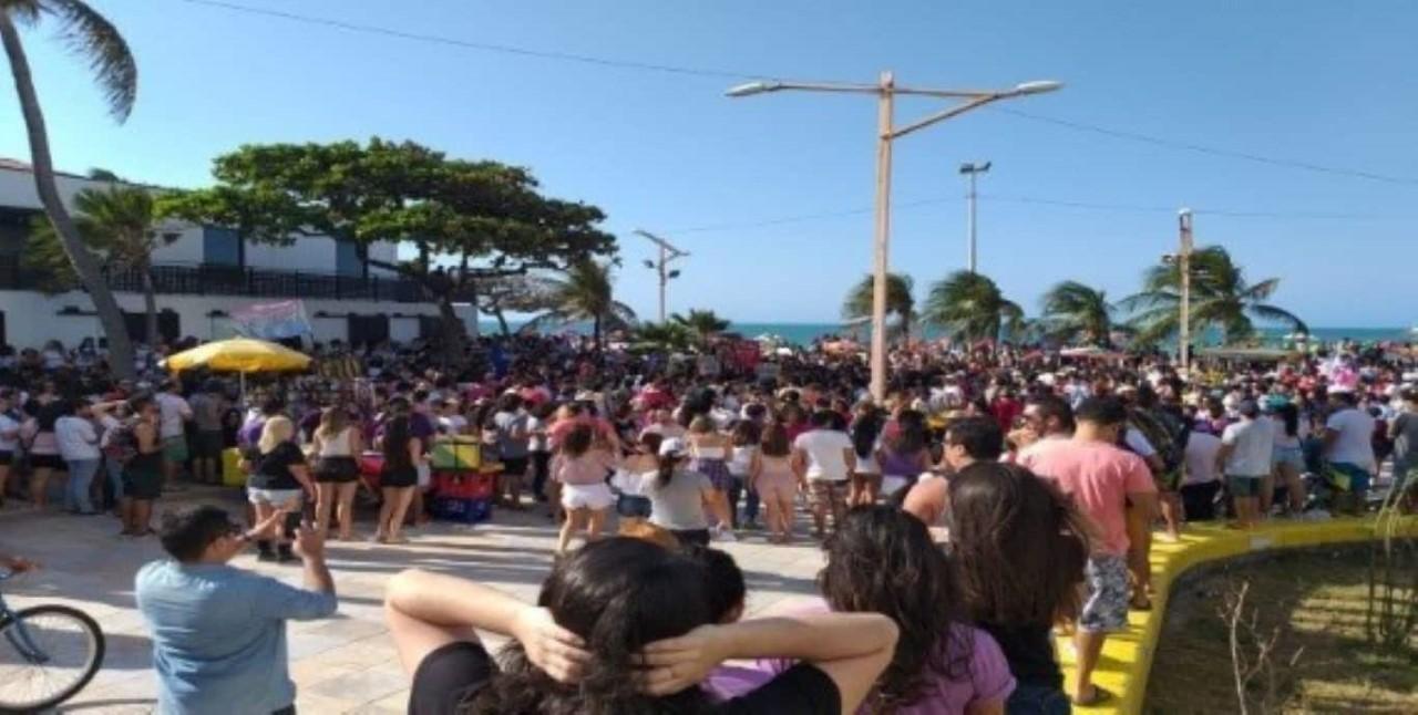 Manifestantes protestam contra morte de jovem no Extra