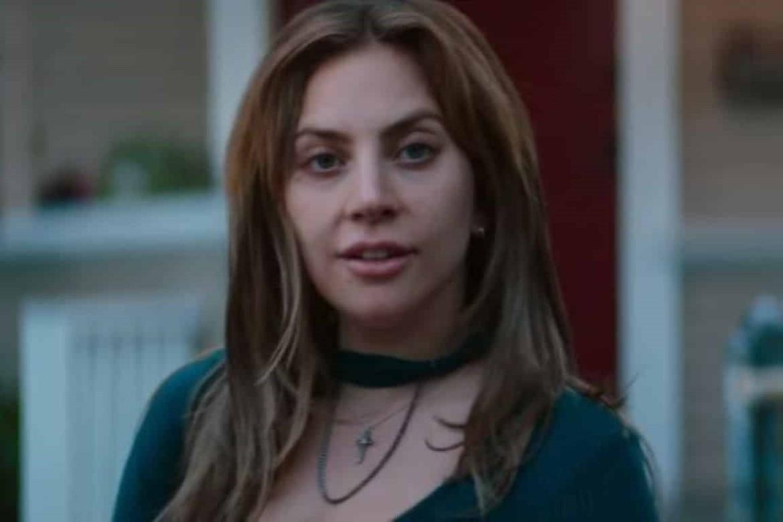 Lady Gaga financia projetos escolares em cidades dos EUA que sofreram massacres.