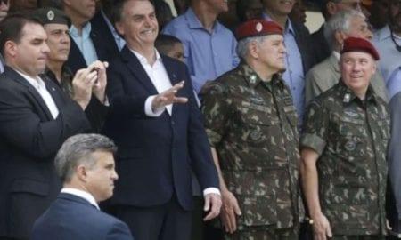O presidente eleito, Jair Bolsonaro (PSL), participa da comemoração do 73 aniversário da Brigada de Infantaria Pára-quedista, na Vila Militar em Deodoro. - Fernando Frazão/Agência Brasil