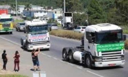 Caminhoneiros criticam proposta da indústria para frete e prometem pressionar STF.