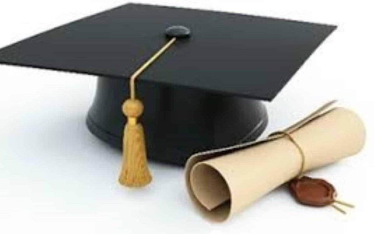 Universidade cancela 65 mil diplomas após investigação