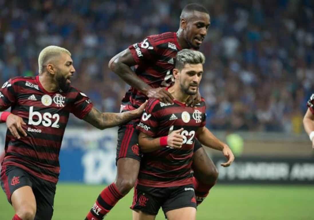 Flamengo alcança marca inédita após vitória sobre o Cruzeiro.