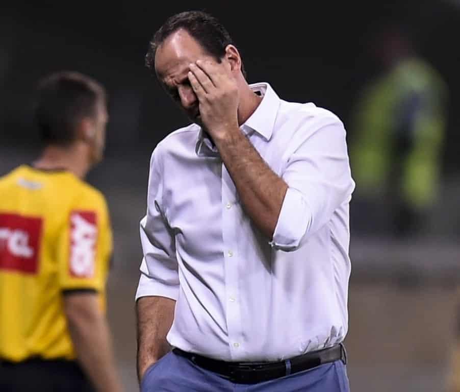 Goleiro Rogério Ceni deixa o comando do Cruzeiro