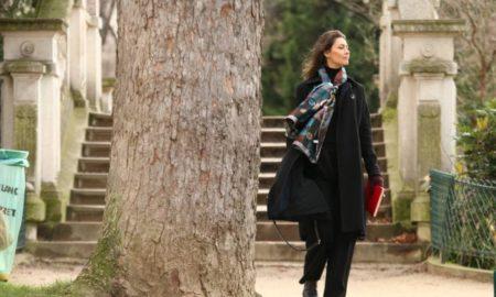 Maria Fernanda Cândido e falas de intelectuais seduzem espectador.