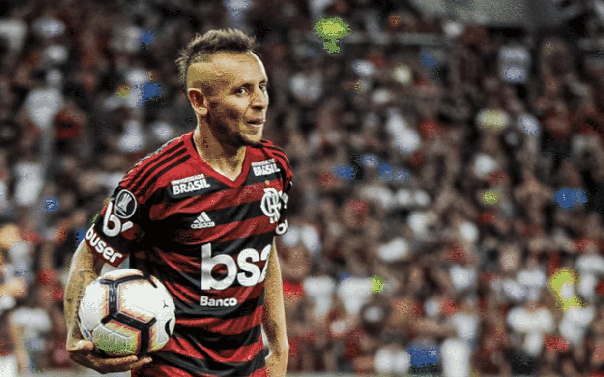 Rafinha pede cautela ao Flamengo para encarar o Santos: 'Euforia do lado de fora.