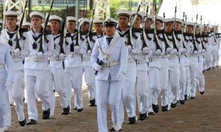 Marinha abre 900 vagas para concurso de ensino médio. Marinha do Brasil vai abrir, na segunda-feira (20), as inscrições para o Concurso Público de Admissão