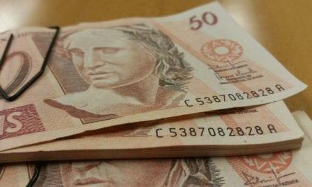 Cheque especial terá juros limitados a partir de segunda-feira.