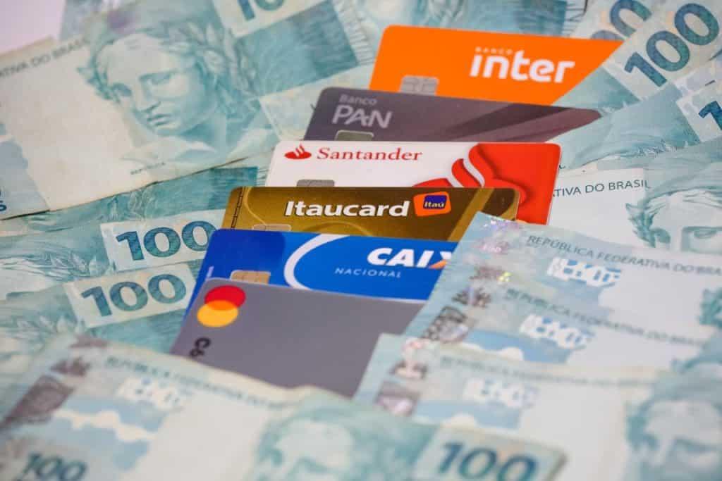 cartão banco dinheiro pix